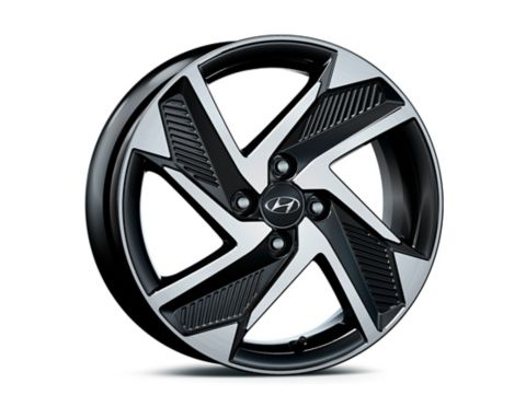 A close up view of the 16 inch alloy wheels of the all-new Hyundai i10.