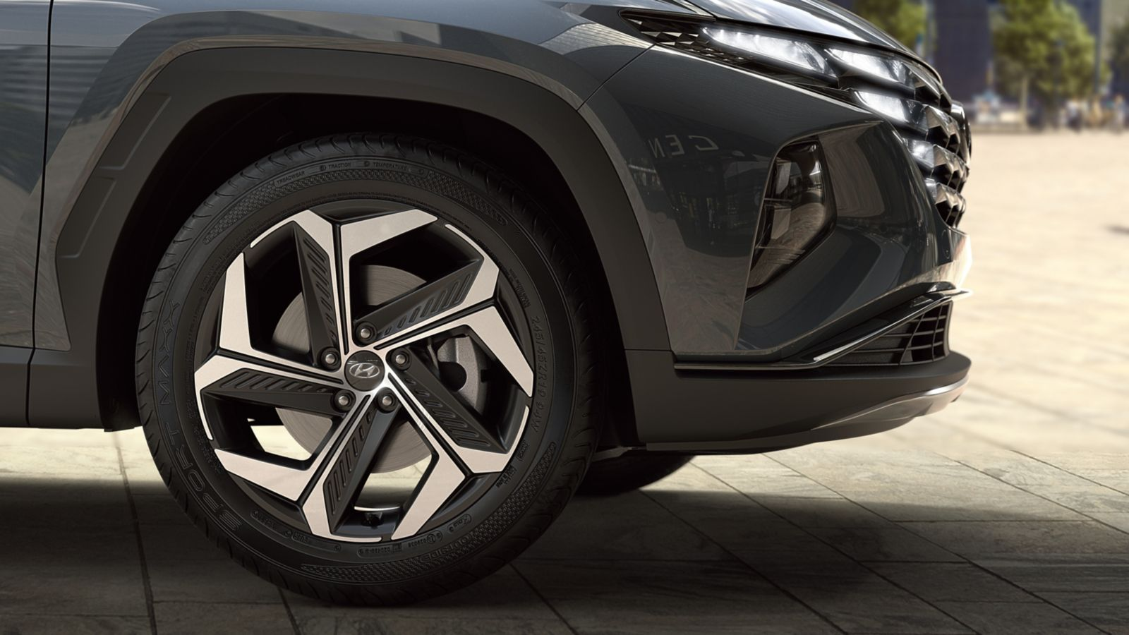 An image of the 19'' alloy wheels on the all-new Hyundai Tucson compact SUV.